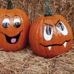 Get creative making Halloween decorations with your kids, like these painted pumpkins!!